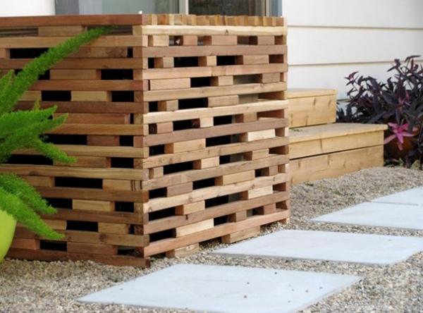 Bonitas ideas para ocultar el aire acondicionado exterior for Cobertizo para exteriores